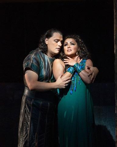 Anna Netrebko and Aleksandrs Antonenko in Aida (c) Marty Sohl
