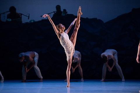 Adji Cissoko, Alonzo King LINES Ballet © Chris Hardy