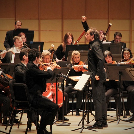 Otto Tausk and the Vancouver Symphony Orchestra © Matthew Baird