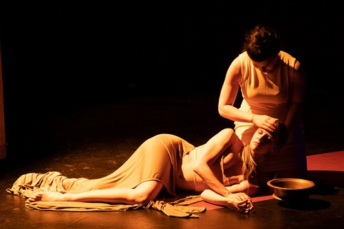 nnie Rosen (mezzo-soprano) and Emily Jo (dancer) © Russ Rowland