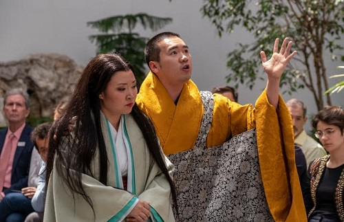 Kristen Choi (Lady Murasaki) and John Noh (Priest) © Stephanie Berger