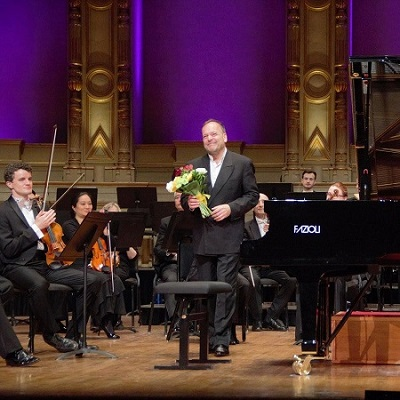 Louis Lortie and the VSO © Matthew Baird