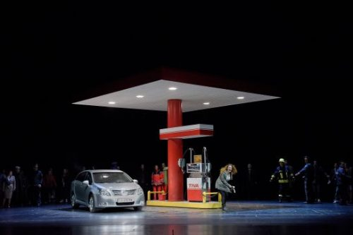 Fine Cast Can't Overcome a Dreadful Salzburg Production of