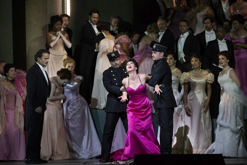 At the Met, Lisette Oropesa shines as Manon – Seen and Heard International