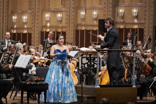 Joélle Harvey, Jakub Hrůša, & The Cleveland Orchestra © Roger Mastroianni.